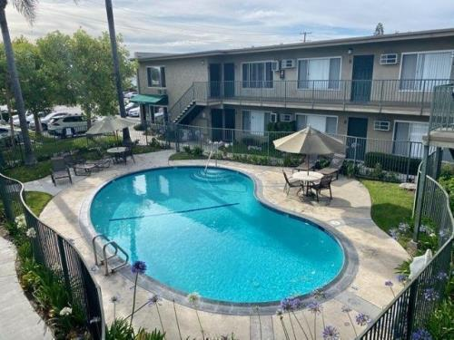 Woodruff Village Downey Apartments For Rent