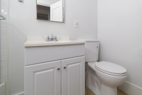 image 9 unfurnished Studio bedroom Apartment for rent in Long Beach, South Bay